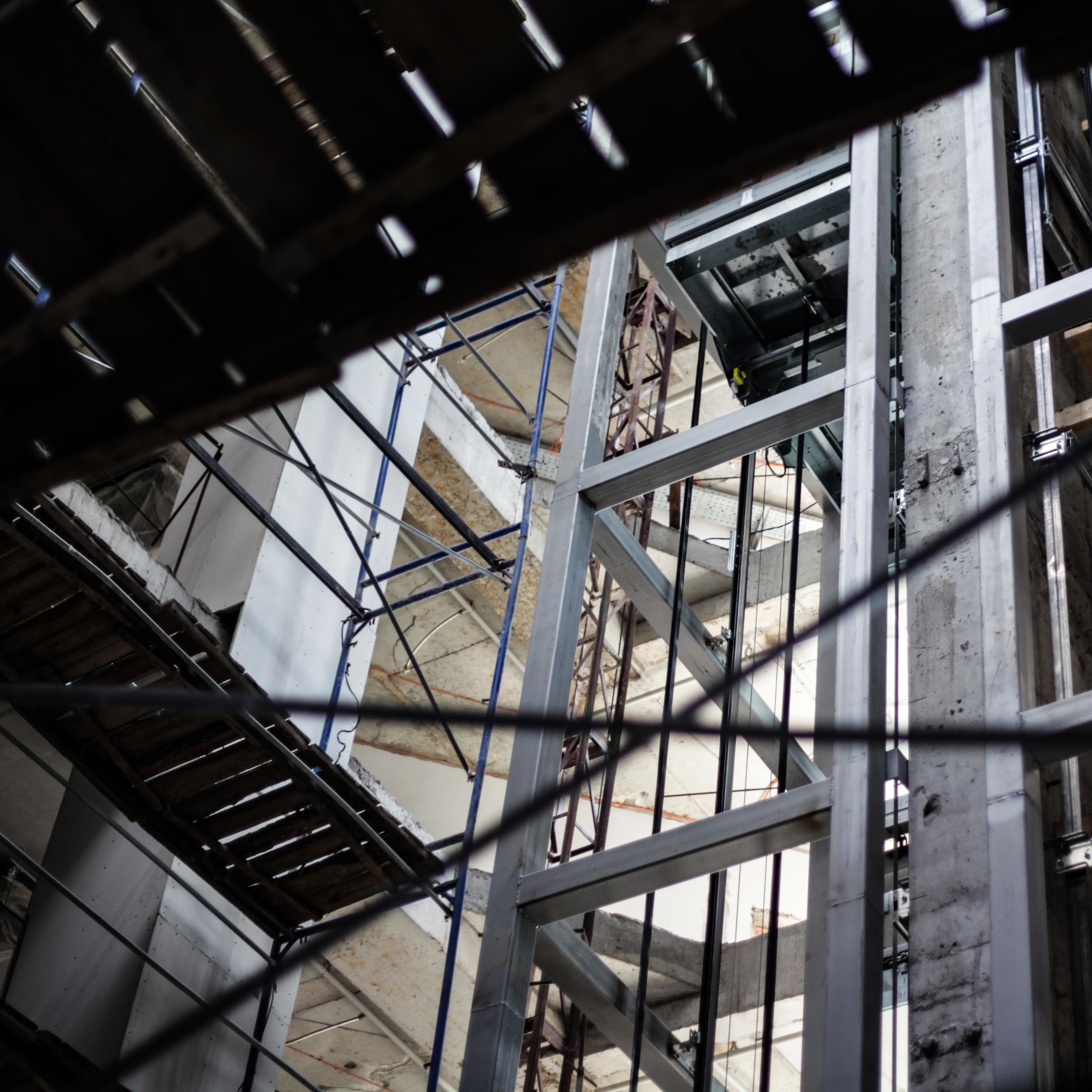 Виды грузовых лифтов