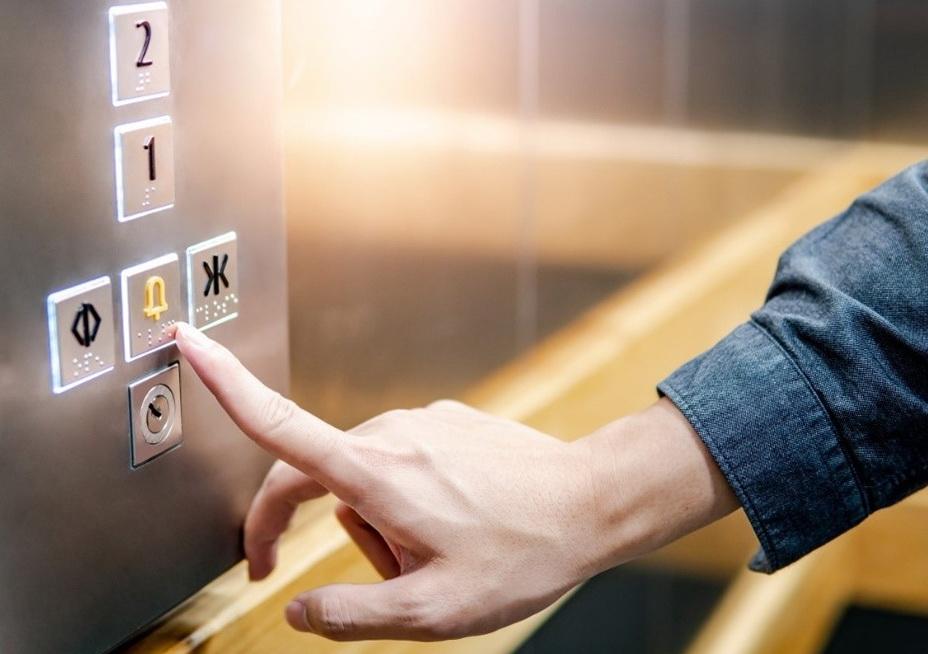 Советы по безопасности в лифте